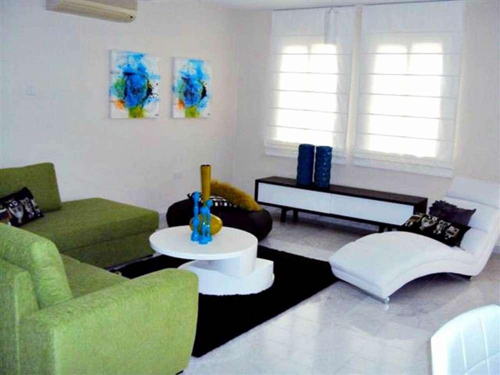 Παραθαλάσσιο διαμέρισμα προς πώληση στη Λεμεσό