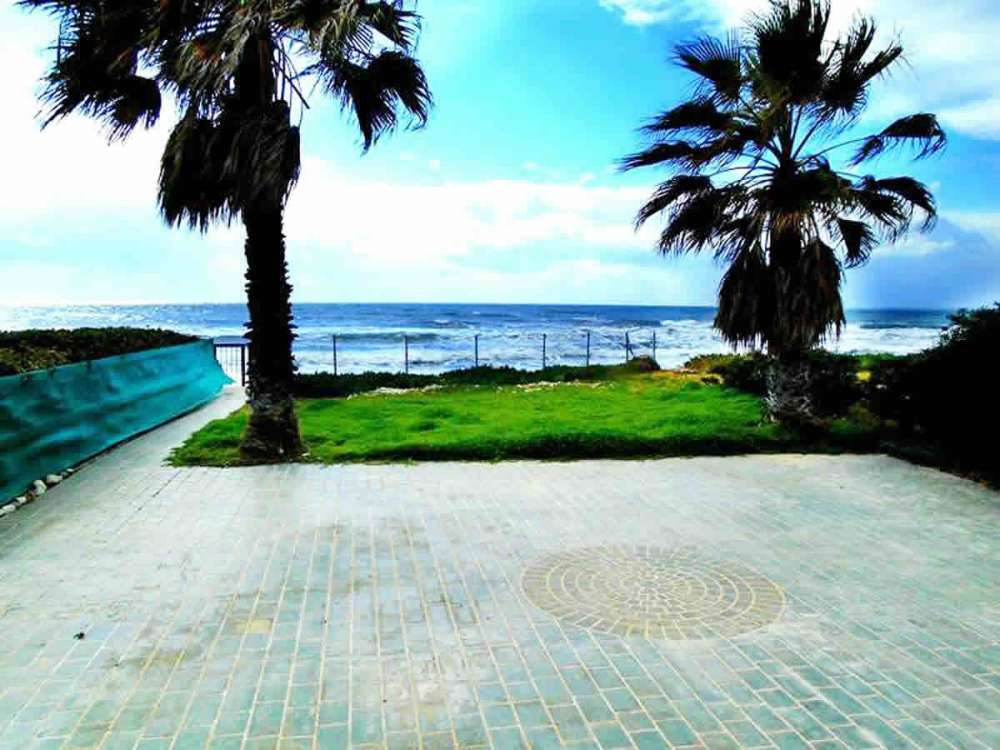 Κύπρος παραλιακή κατοικία Λάρνακα