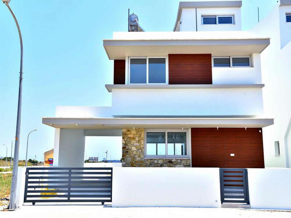 Παραλιακά σπίτια για αγορά Λάρνακα