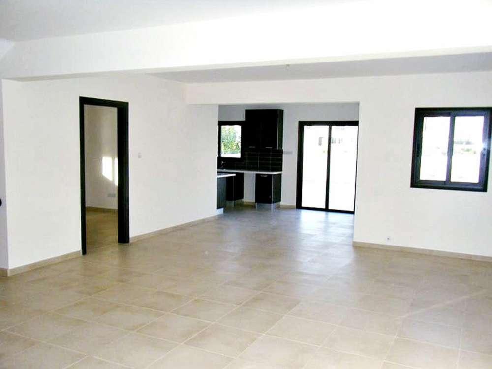 Καινούργια κατοικία προς πώληση Λάρνακα
