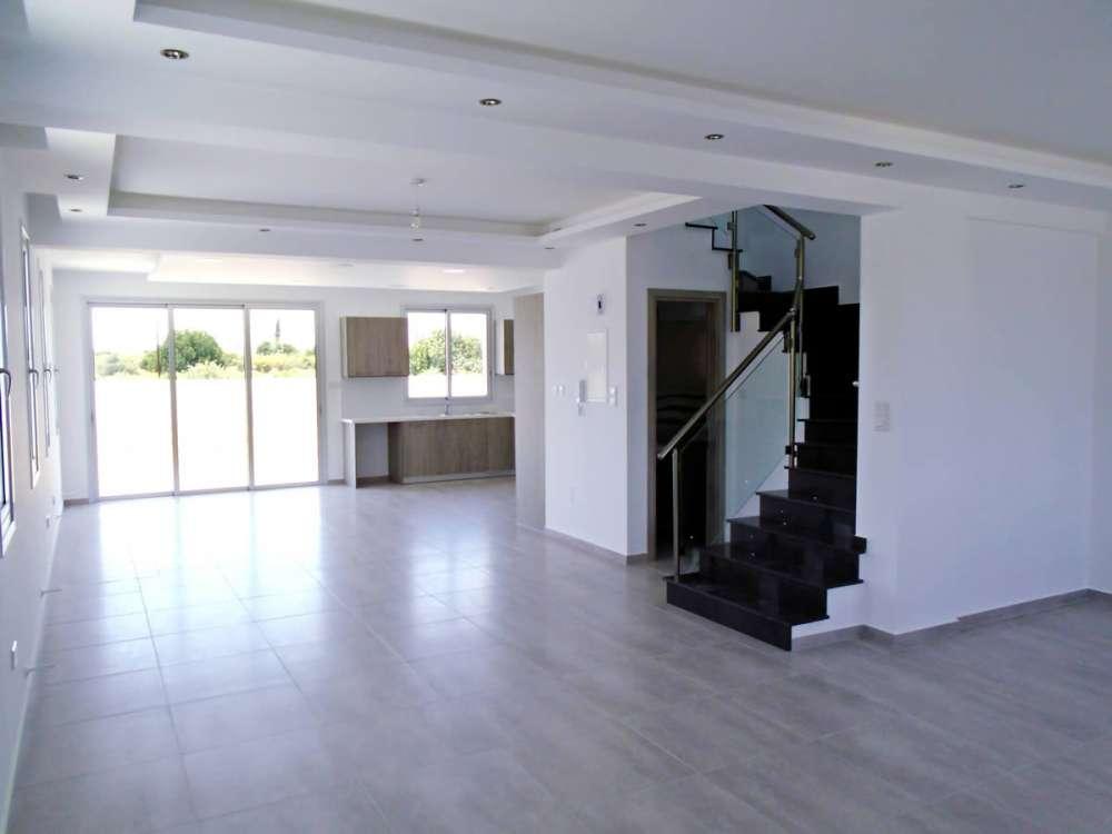 Μοντέρνα κατοικία στην Λάρνακα