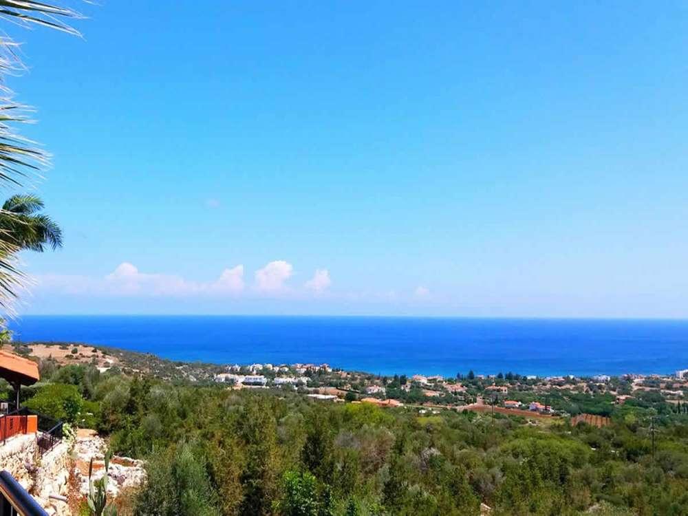 Θέα θάλασσα σπίτι στην Πάφο