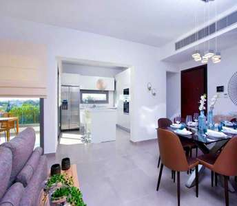 BUY WHOLE FLOOR APARTMENT IN LIMASSOL