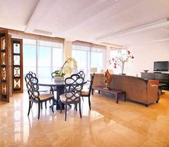 Продается квартира на первой линии моря в Лимассоле