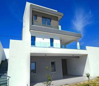 HOME FOR SALE IN AYIOS TYCHONAS LIMASSOL