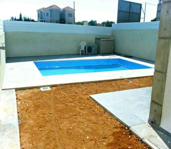 Buy house in Limassol with pool