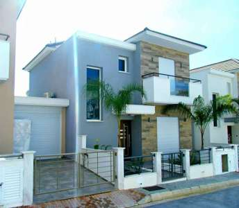 BUY SEASIDE HOME IN LIMASSOL