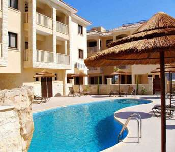 BUY APARTMENT SHARED SWIMMING POOL LARNACA
