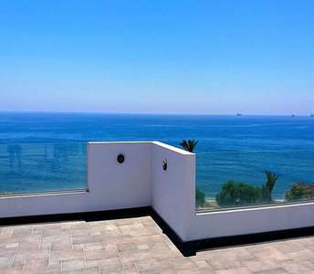 SEAFRONT PROPERTY IN MARONI LARNACA
