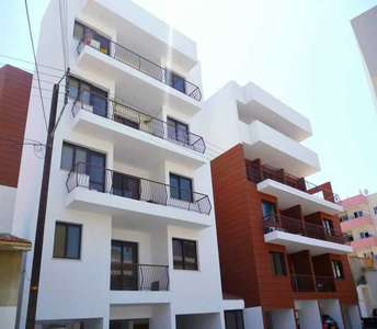 LARNACA BUY APARTMENT CITY CENTER
