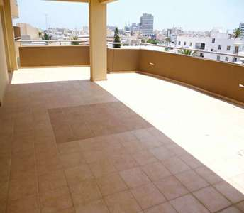PENTHOUSE APARTMENT FOR SALE LARNACA