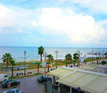 BUY SEAFRONT APARTMENT FINIKOUDES BEACH LARNACA