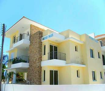 BUY APARTMENT KITI LARNACA