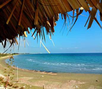 BEACH HOUSE FOR SALE PERVOLIA CYPRUS