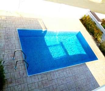 Купить дом в Ларнаке с бассейном