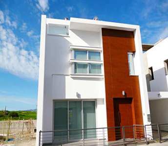 HOME IN LARNACA FOR SALE
