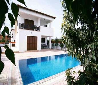 BEACHSIDE HOUSES FOR SALE IN LARNACA