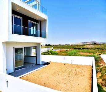 Seaside homes in Larnaca