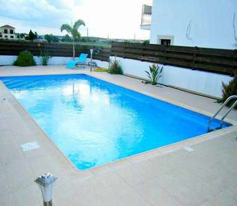 Buy home Cyprus Larnaca with swimming pool