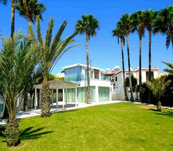 Villa for sale in Larnaca