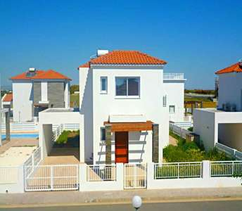 BEACHSIDE HOUSES FOR SALE PERVOLIA LARNACA