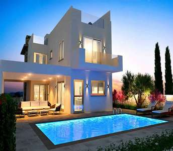 BEACHSIDE VILLA FOR SALE IN LARNACA