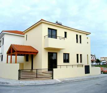CORNER HOUSE FOR SALE IN LIVADIA LARNACA