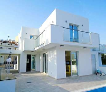 Home in Oroklini for sale