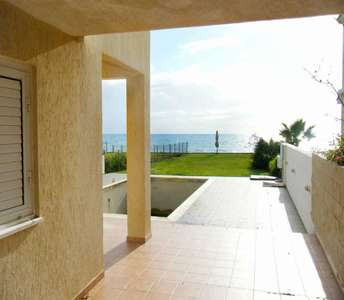 Sea view house in Larnaca