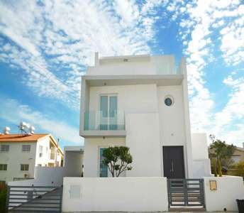 Modern home in Larnaca