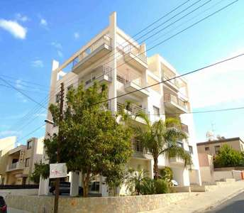 WHOLE FLOOR PENTHOUSE IN LARNACA