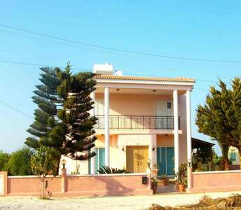 COUNTRYSIDE HOUSE PARALIMNI