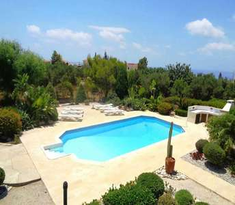 GOLF HOUSE FOR SALE IN PAPHOS