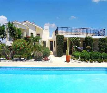 Golf property in Paphos