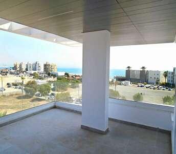 Купить недвижимость с видом на море в Ларнаке