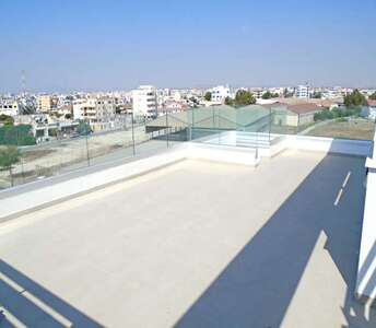 Flat in Larnaca with big balconies