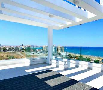 BEACHSIDE PROPERTY IN LARNACA