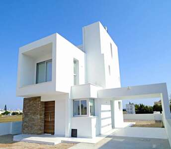 BEACHSIDE HOUSE FOR SALE LARNACA