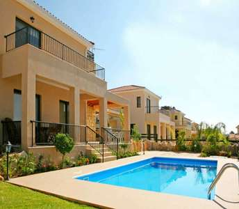 Houses for sale in Limassol with swimming pool