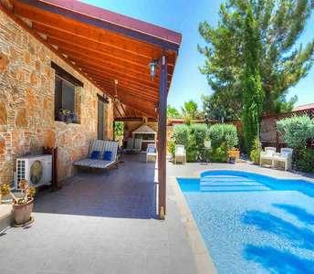Buy villa in Souni Limassol