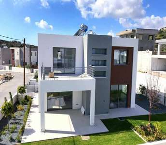 HOME IN AYIOS TYCHONAS FOR SALE