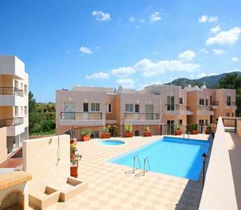 Apartments & Maisonettes in Argaka village