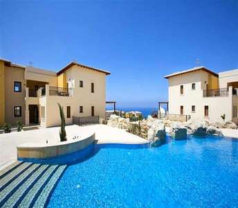 PENTHOUSE PROPERTY IN GOLF COURSE PAPHOS