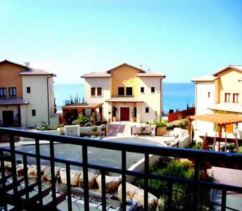 PROPERTIES IN GOLF COURSE PAPHOS