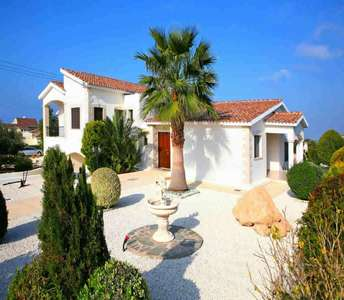 Buy golf property in Paphos
