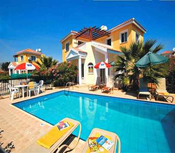 BEACHSIDE HOUSE FOR SALE IN PAPHOS