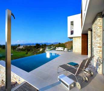 GOLF VILLA IN PAPHOS