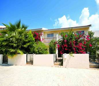 SEASIDE MAISONETTE FOR SALE IN PAPHOS