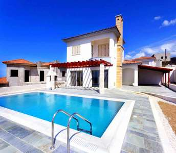 BEACH HOUSES IN PAPHOS FOR SALE