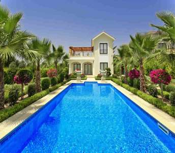 LUXURY GOLF VILLA FOR SALE IN PAPHOS